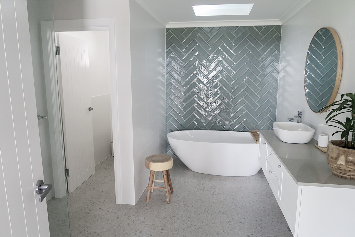lodge_bathroom_2_online